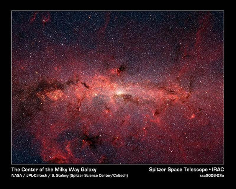 400 milyar yıldıza ev sahipliği yapan ve bizim gezegenimizin de içinde bulunduğu Samanyolu Galaksisi'nin merkezinin kızıl ötesi görüntüsü.